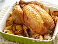 Пълнено печено пиле с ориз и дробчета на фурна с картофи